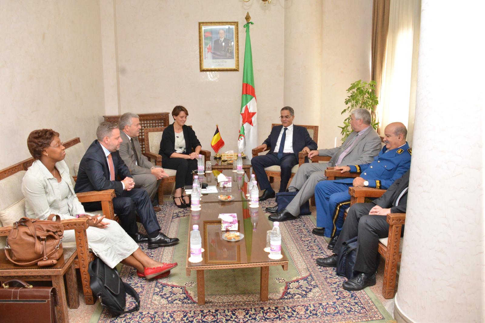 Une d l gation du minist re de l 39 int rieur belge a for Algerie ministere interieur