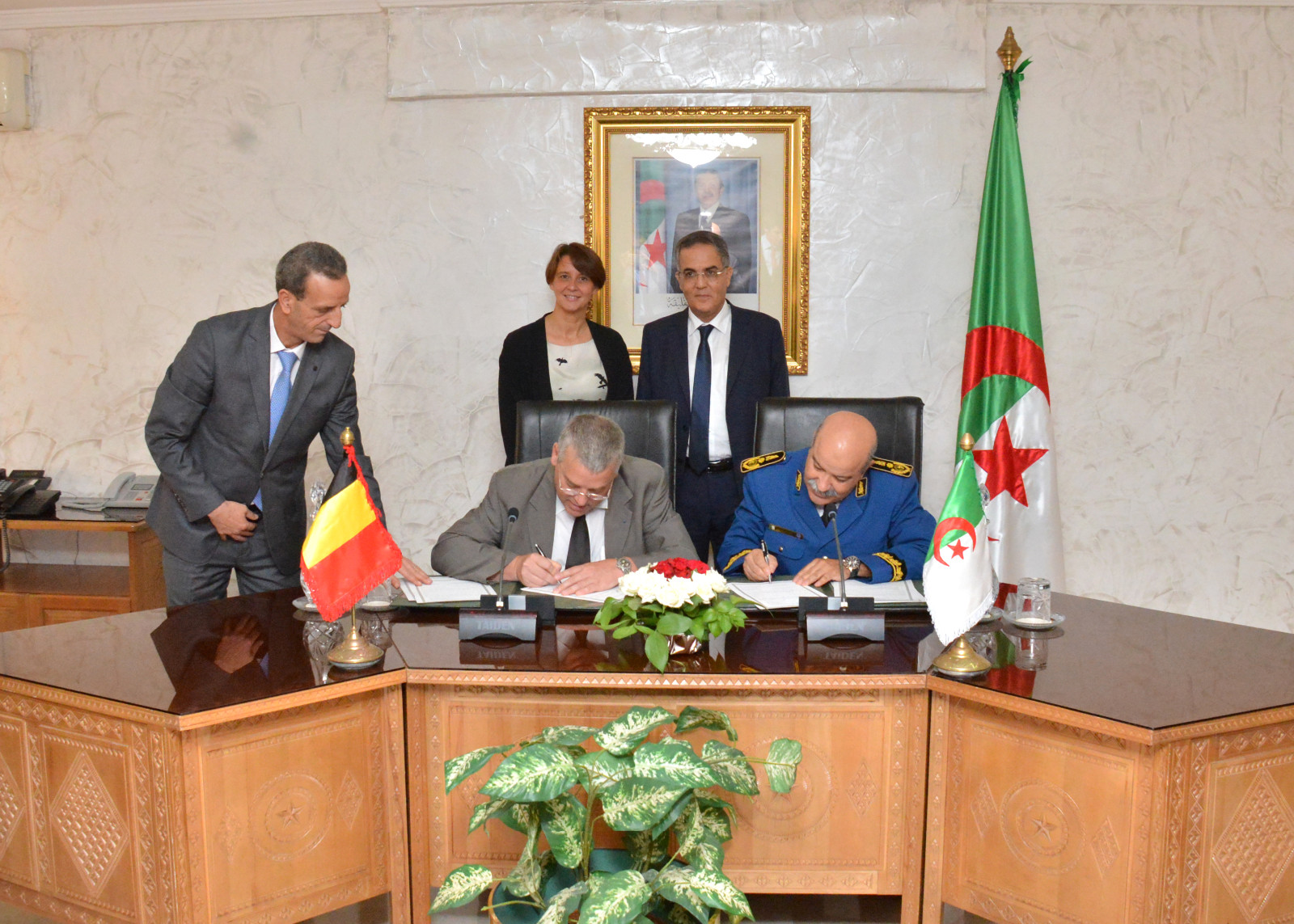 Une d l gation du minist re de l 39 int rieur belge a for Interieur gov dz
